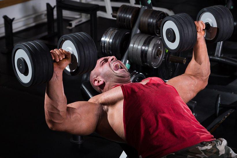 Růst svalů, nebo síly? Zvolte správný počet opakování vsérii