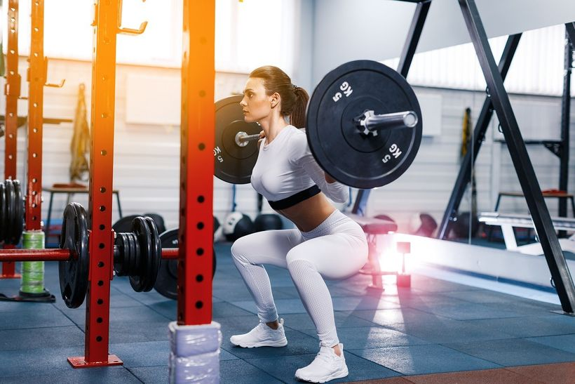 Poprvé vposilovně: Jak zábavně cvičit amít rychlé výsledky?