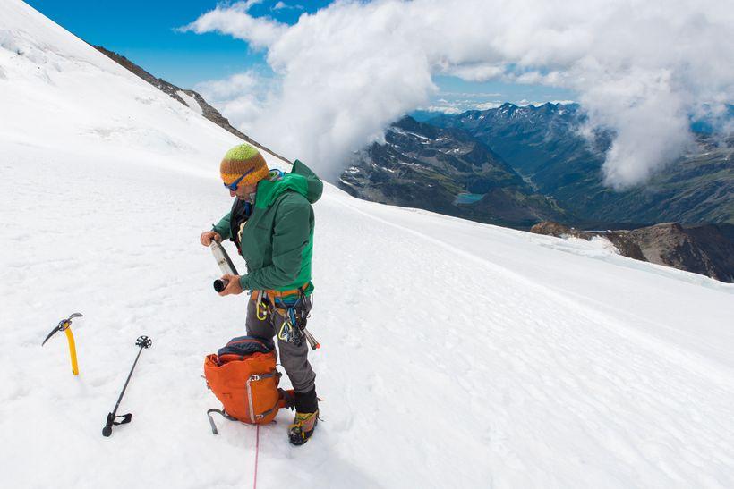 Běžky, skialp, zimní turistika. Nepodceňuj přinich správnou výživu.