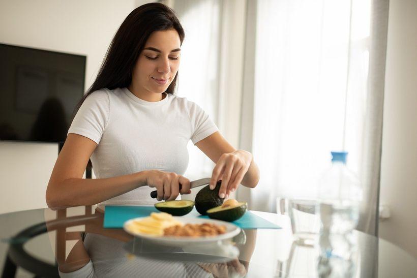 """Jak udržet """"špatný"""" cholesterol na uzdě? Pomůže vám avokádo"""