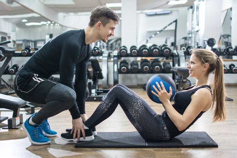Jak zhubnout břicho? 6 kroků kplochému avyrýsovaném břichu