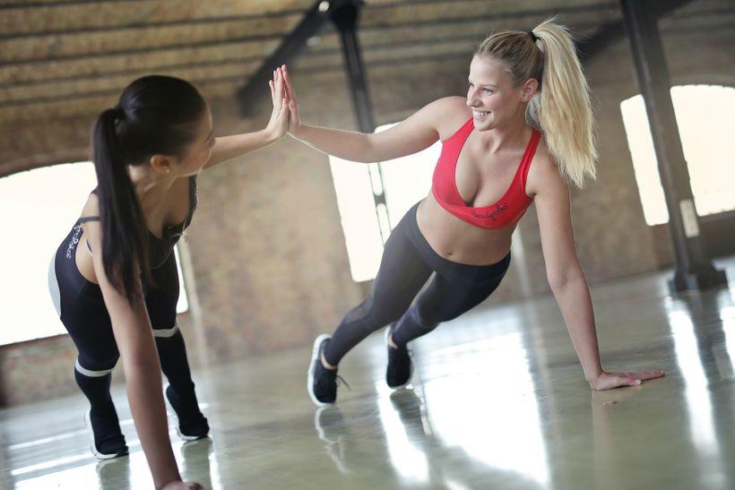 Cvičit ráno, nebo večer? Objevte, co je nejlepší pro rychlé aefektivní hubnutí
