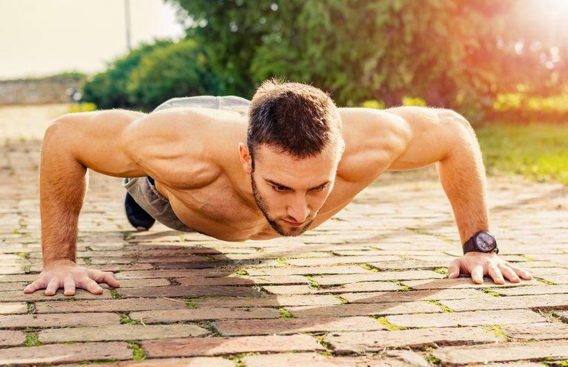 TOP 10 cviků na venkovní trénink svlastní váhou
