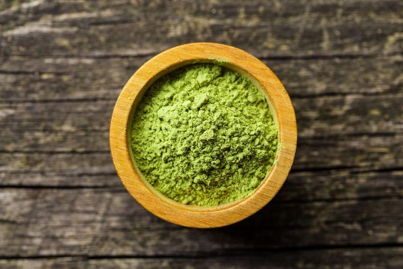 Kratom: neškodná bylinka nebo zneužívána legální droga?