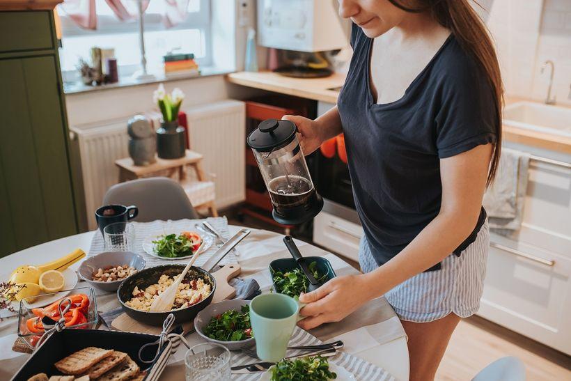 Chcete mít plno energie hned po ránu? 7 tipů, jak na zdravou snídani