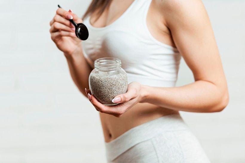 10 zdrojů zdravých tuků: Rozšiřte svůj jídelníček oryby, ořechy nebo čokoládu