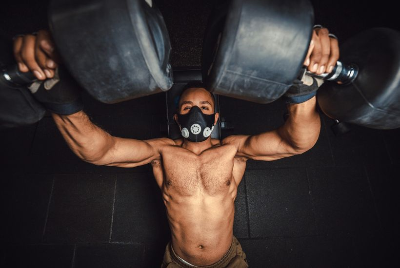 Tréninkové masky. Zvyšují výkon, nebo ego?