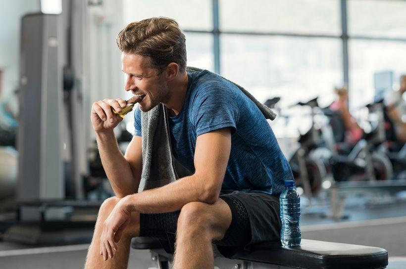 Proteinové tyčinky: Zdravě zaženou chutě na sladké ihlad před tréninkem
