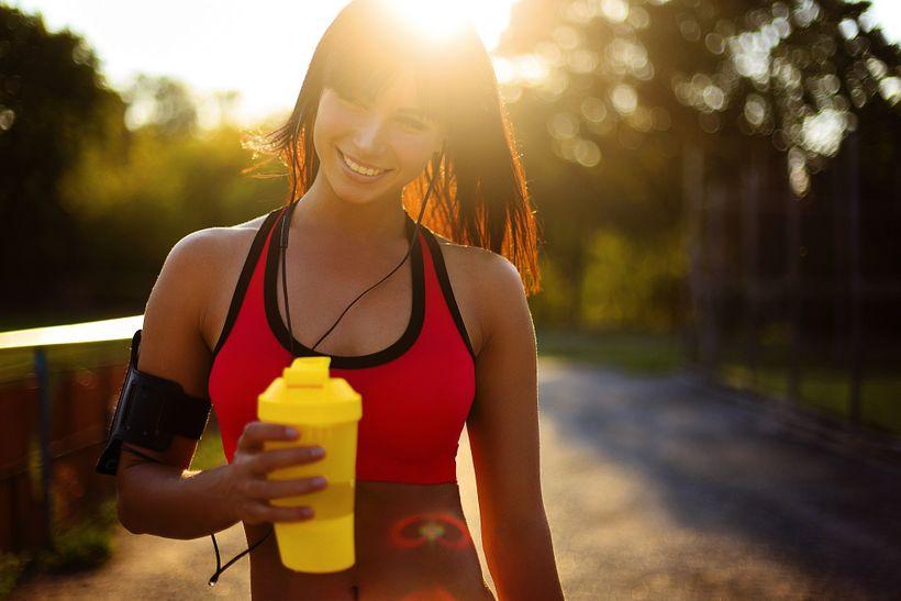 Jak nejlépe jíst asuplementovat vden sportovního výkonu?