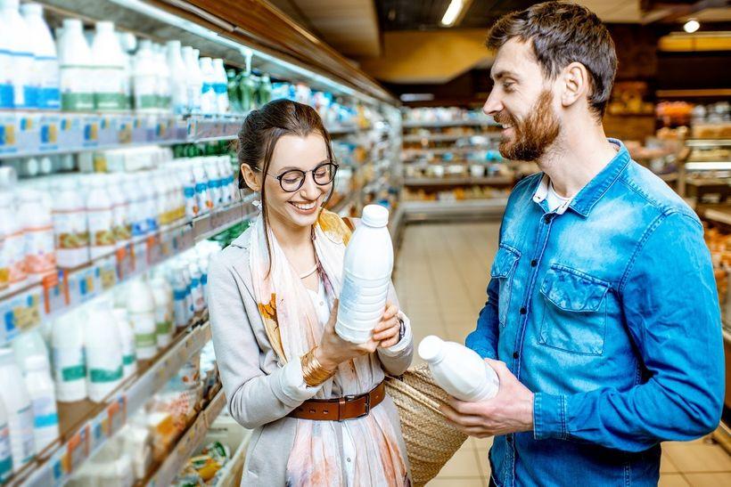 Díky biopotravinám nebudeme zdravější ani hubenější. Proč se vyplatí je kupovat?