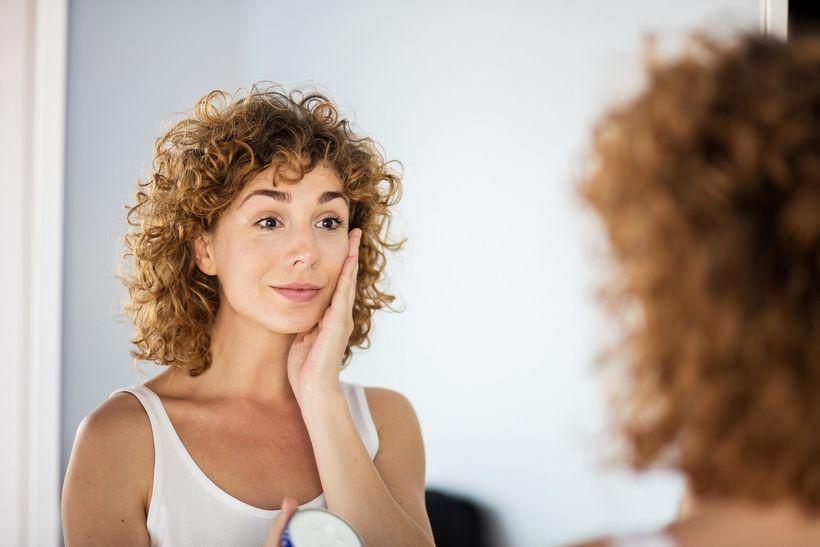 Jak se liší přírodní akonvenční kosmetika? Vyhni se nebezpečným látkám anauč se vybrat kvalitní výrobek