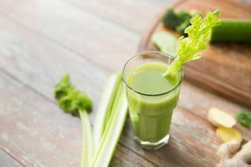 """Pravda o """"zázračné"""" celerové šťávě: Nepomůže ti zhubnout ani detoxikovat"""