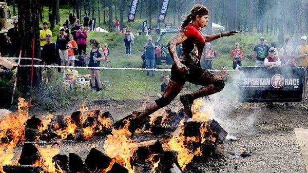 Opravdová dřina, nebo jen móda? Extrémní závod Spartan Race očima Lenky Vácvalové aTomáše Vejsady