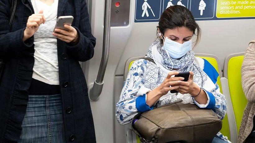 Koronavirus: Skutečně horší než chřipka. Je ale nutné shromažďovat potraviny?