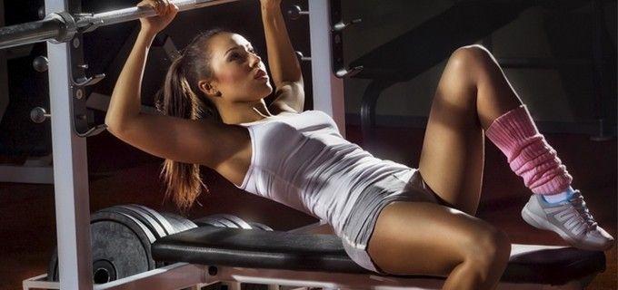 10 typických cvičenek z fitness center