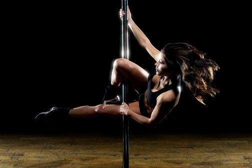 24 nejtěžších pohybů z POLE DANCE