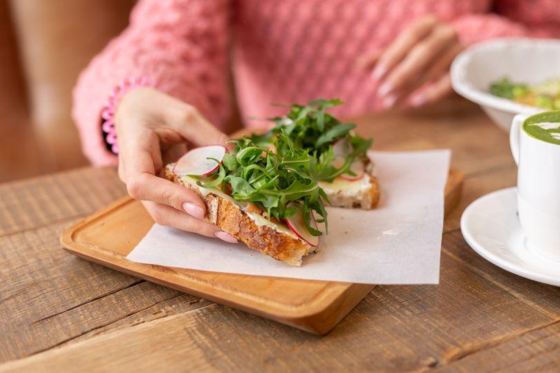 5 nenápadných změn v jídelníčku, které ti pomohou zhubnout