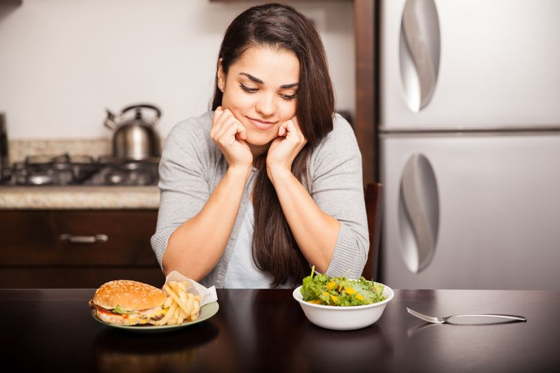 6 chyb, kterými ničíte zdravý oběd, a proto nemáte energii. Neděláte i vy některou z nich?