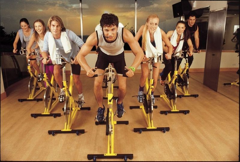 Aerobní cvičení na trenažérech