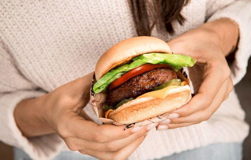 Beyond Burger: Je tato náhražka masa opravdu zdraví prospěšná?