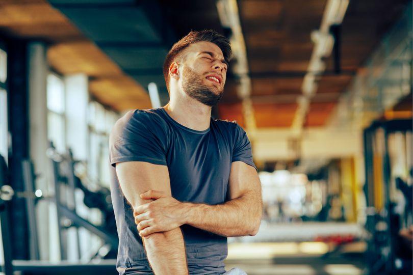 Co dělat, když mám namožené svaly po tréninku?