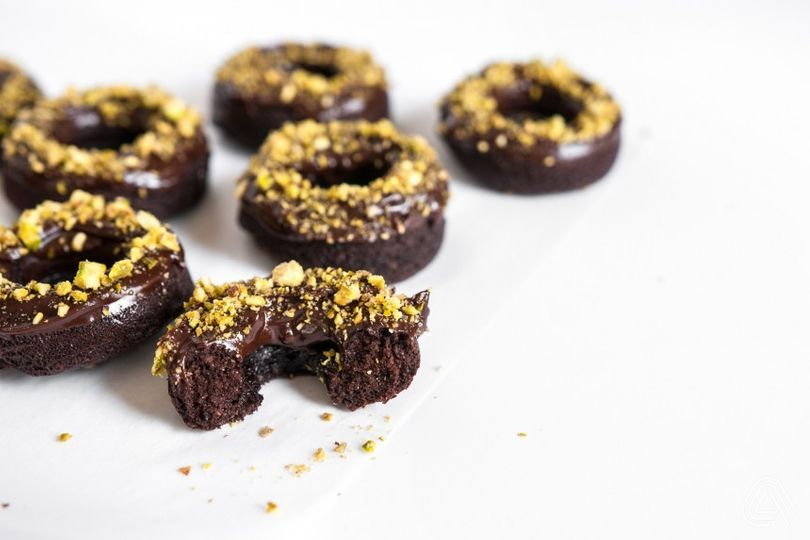 Čokoládové mini donuty bez múky, bez cukru a s poctivou dávkou čokolády