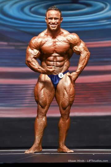 Cvičte břicho s Jose Raymondem