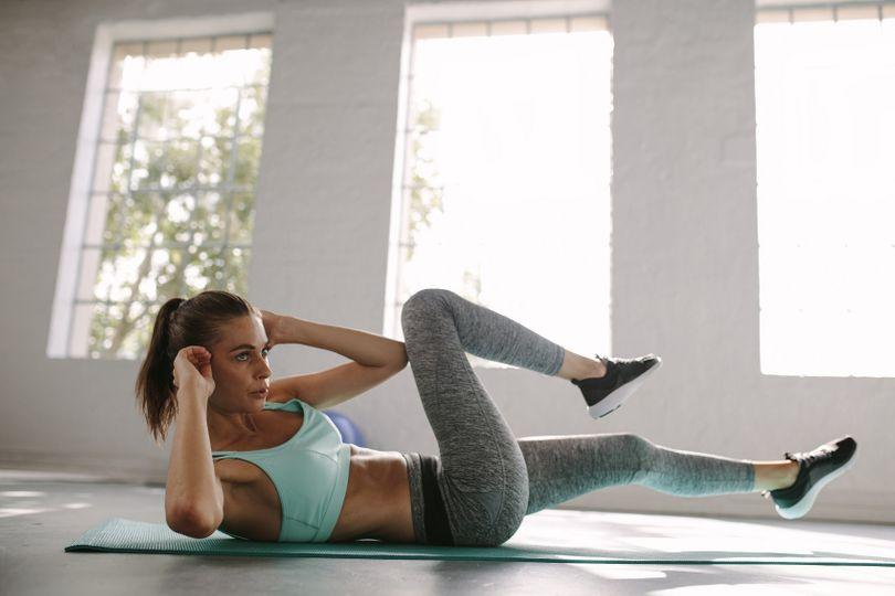 Domácí trénink celého těla: Zacvič si, aniž by sousedům spadl lustr