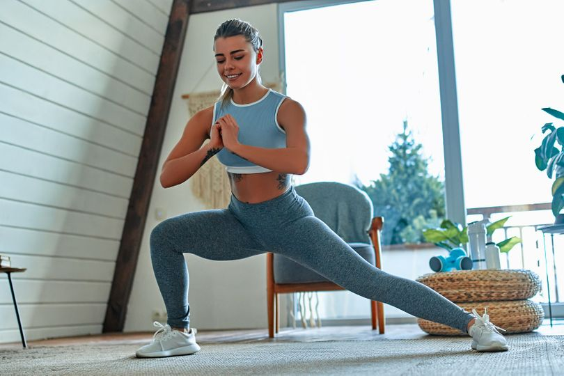 Domácí trénink na zpevnění vnitřní strany stehen pro ženy