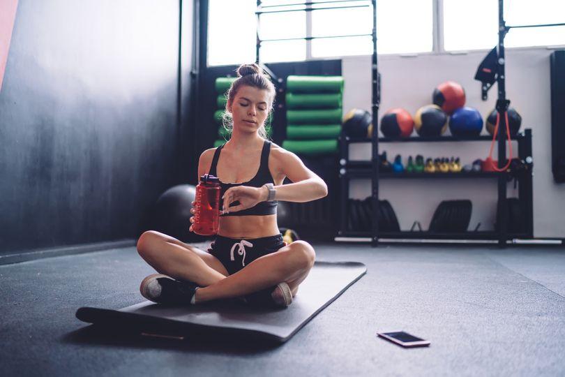 Cvičit ráno, nebo večer? Objevte, co je nejlepší pro rychlé a efektivní hubnutí