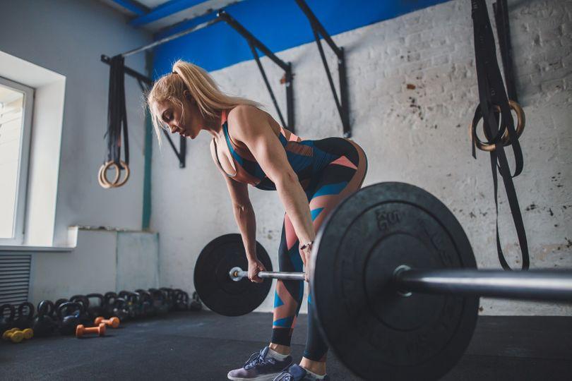 Hamstringy: 7 efektivních cviků pro silnější, svalnatější a vyrýsovanější zadní stranu stehen