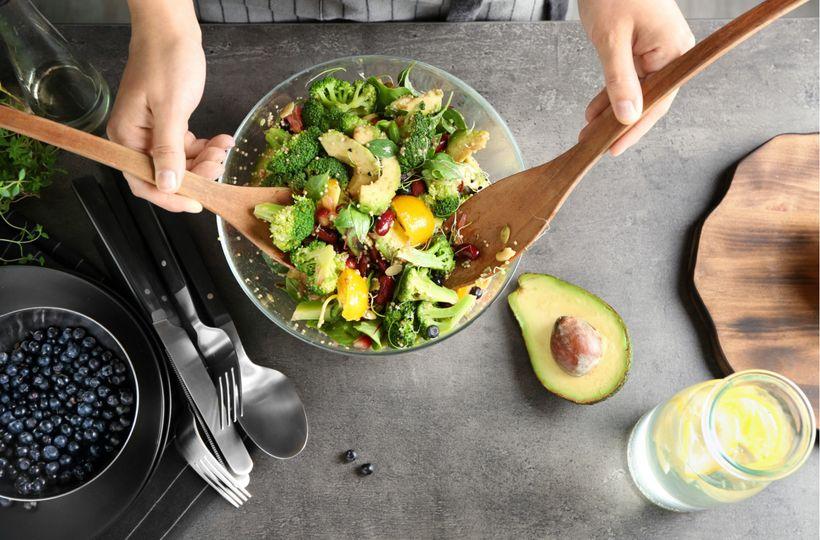 Jak připravit salát, abyste po něm neměli hned hlad