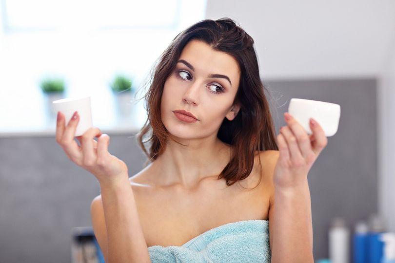 Jak se liší přírodní a konvenční kosmetika? Vyhni se nebezpečným látkám a nauč se vybrat kvalitní výrobek