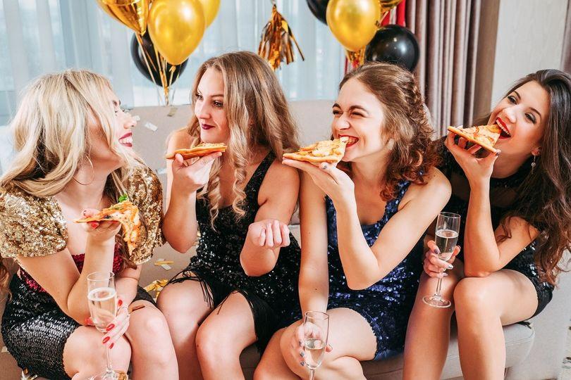 Jak si užít oslavu, nepřejíst se a klidně i hubnout