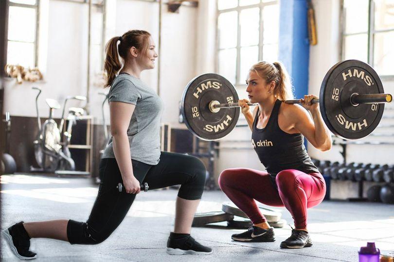 Jak zhubnout stehna? Klíčem je výživa a trénink
