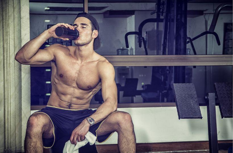 Jaké suplementy zvolit pro zvýšení síly a růstu svalů a jaké raději nechat v regálu?
