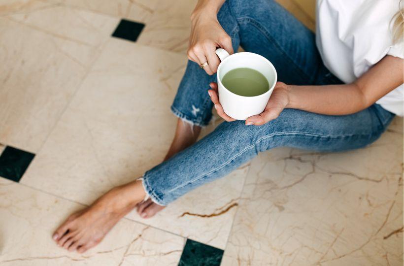 Káva vs. Matcha: v čem se tyto nápoje liší a který je zdravější?