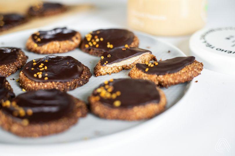 Krehké mandľové sušienky s arašidovým maslom