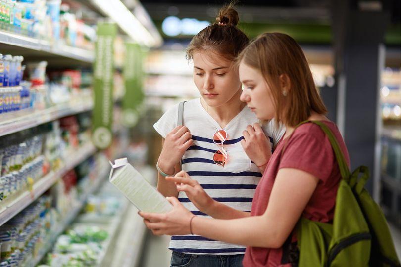 """""""Light"""" """"Bez cukru"""" Co doopravdy znamenají tvrzení, která vídáš na obalech potravin?"""