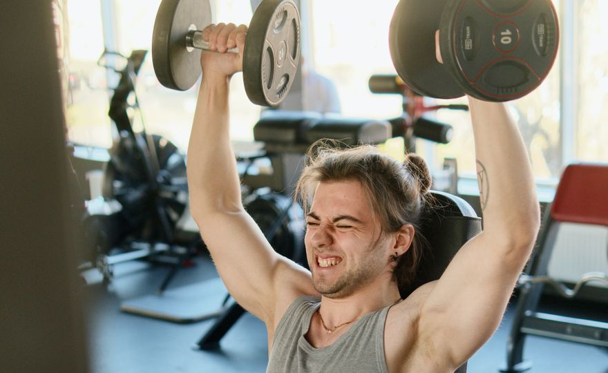 Musí mě po tréninku v posilovně bolet svaly?