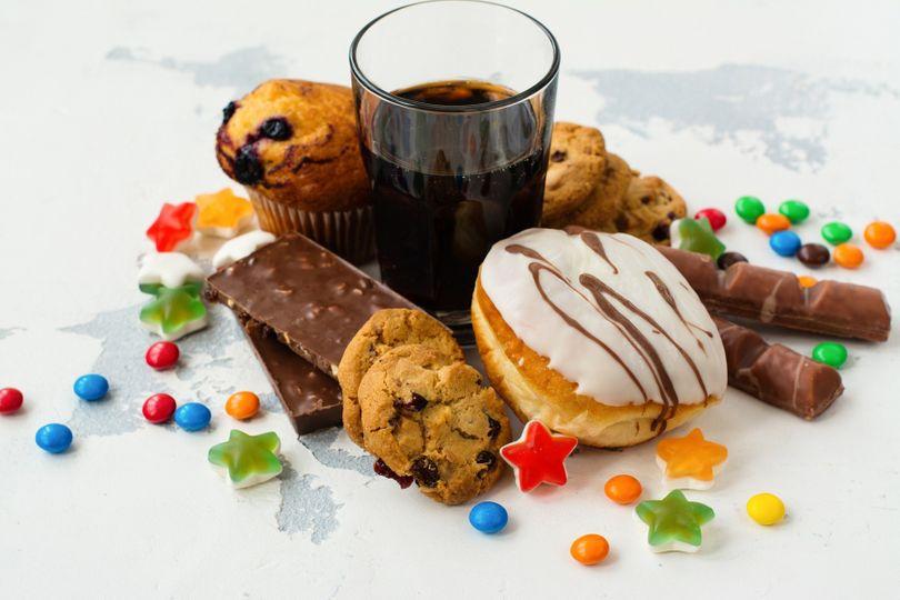 Nadbytek tuku i vážné zdravotní problémy. Co dalšího způsobuje přemíra cukru?