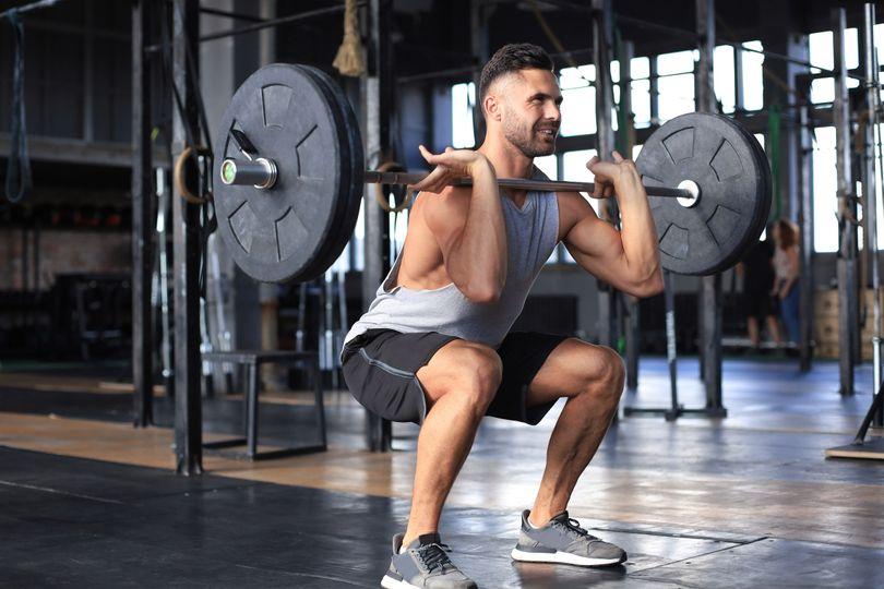 O kolik kalorií a na jak dlouho dokáže silový trénink zrychlit metabolismus?