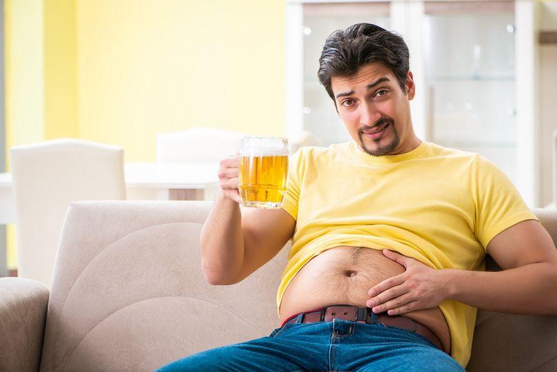 Pivo: Roste po něm pupek a snižuje hladinu testosteronu?
