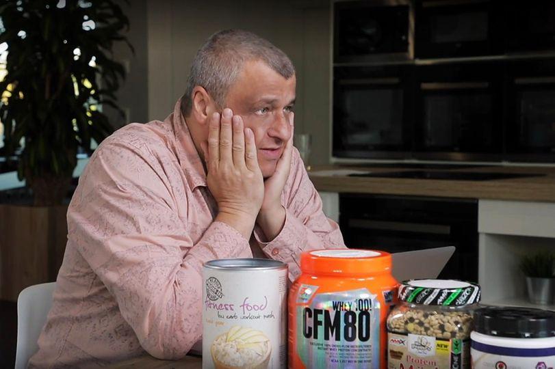 Rozum v troubě s Vaňkem a Havlíčkem: Přidávat protein do jídla může jen 150kilové hovado!