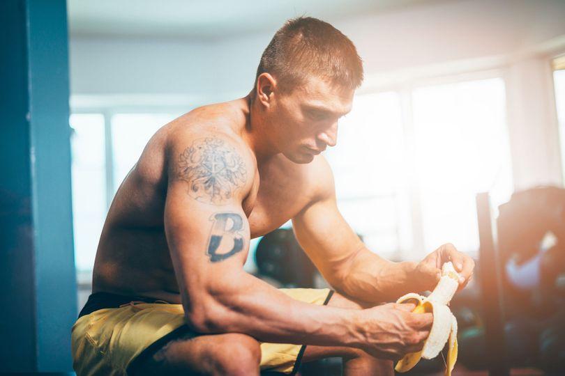 Správný příjem sacharidů zvýší výkon a pomůže i odbourat tuk