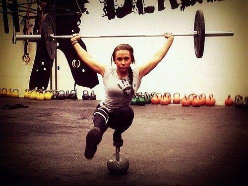 Suzanne Svanevik - crossfiterka, která pobláznila fitness svět