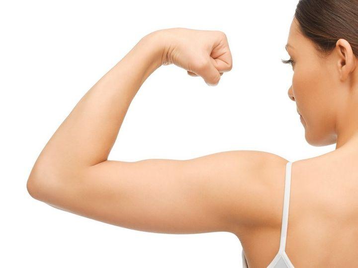 Trénink paží a ramen pro ženy