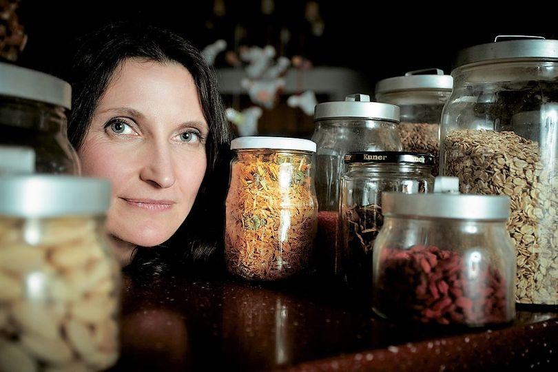 Učíme děti spojovat cukr s pocity štěstí a úspěchu, potom desítky let dietují a bojují s nemocemi, varuje Margit Slimáková
