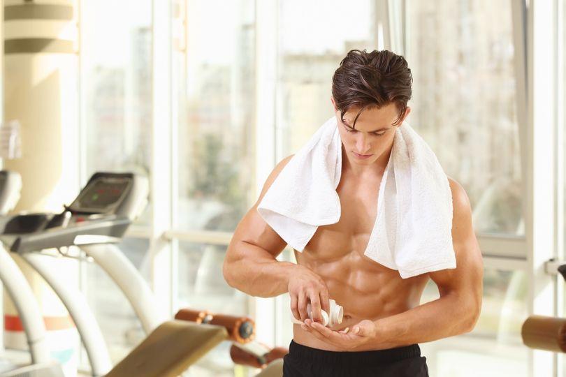 Vědci varují: Vysoký příjem vitamínů může omezit svalový růst