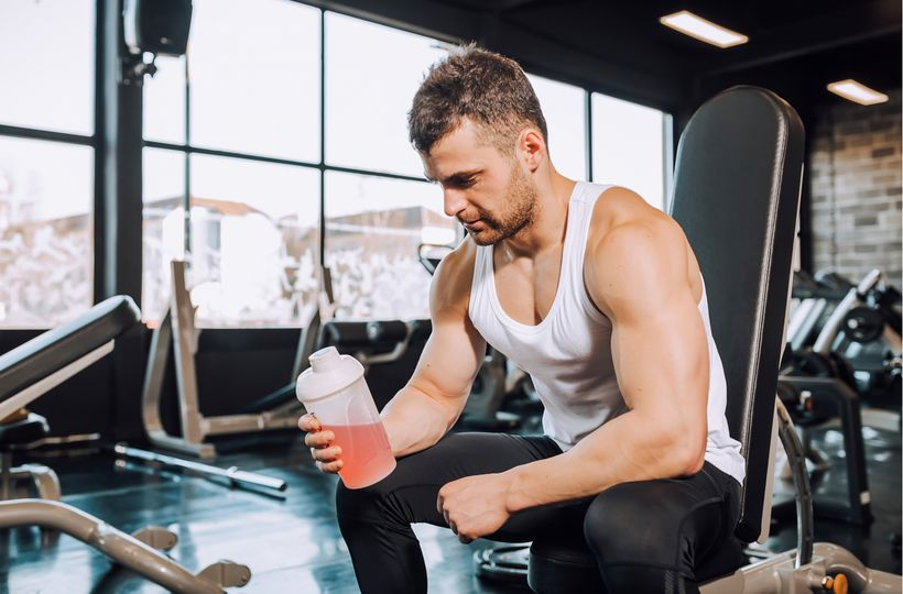 Základ suplementace ve fitness: Co nevynechat pro lepší výkonnost?